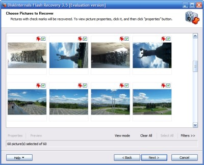 Flash Recovery displays thumbnails of the images found